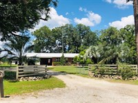 4/2 Charming Country Home 777933 : Chiefland : Levy County : Florida