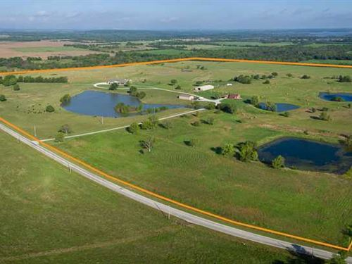 2 Amazing Homes on 160 Acres, 5 Po : Independence : Montgomery County : Kansas