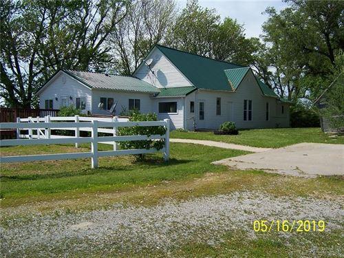 Farmhouse Charm, 3 Bed Home 3.88 : Union Star : Dekalb County : Missouri
