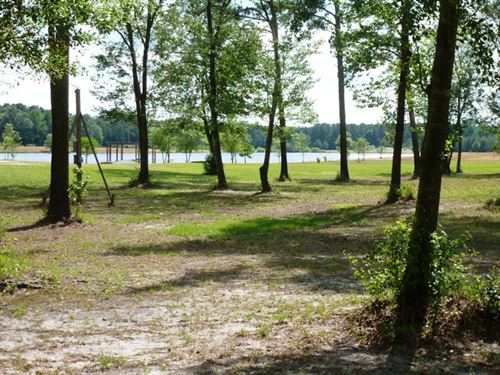 Recreation Hobby Fishing Hunting : Wallace : Duplin County : North Carolina
