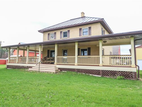 Gorgeous Country Home in Iola, WI : Iola : Waupaca County : Wisconsin