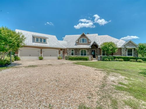 Beautiful Home With Acreage : Iola : Grimes County : Texas