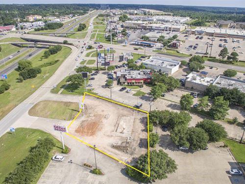 .456 Acre I-45 Frontage : Huntsville : Walker County : Texas