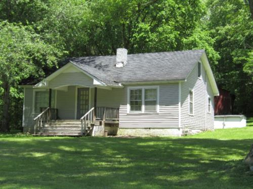 25 Acs, 2 Story Farm Home & Barn : Red Boiling Springs : Jackson County : Tennessee