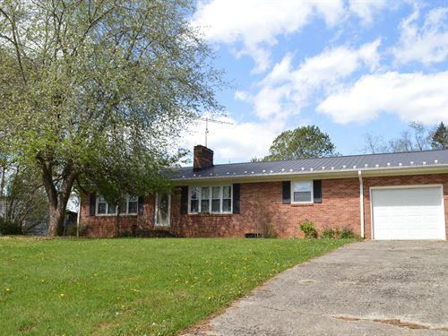 Brick Ranch Home Grassy Creek VA : Mouth Of Wilson : Grayson County : Virginia