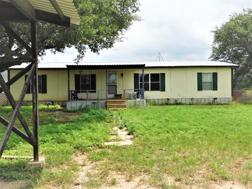 Private Airport Property Two : Early : Brown County : Texas