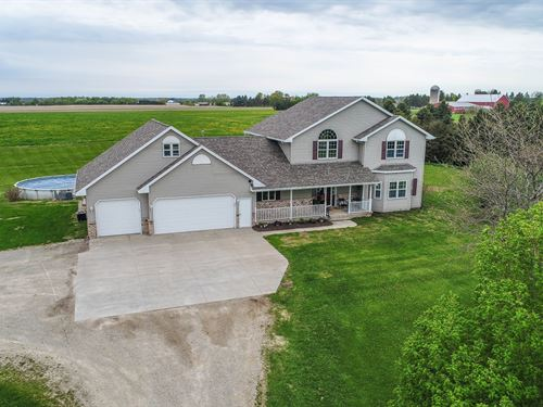 Country Home in Hortonville, WI : Hortonville : Outagamie County : Wisconsin