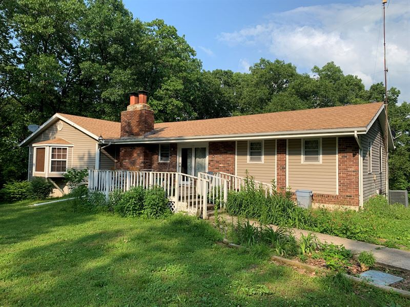 4 Bedroom Country Home Outbuildings : El Dorado Springs : Saint Clair County : Missouri