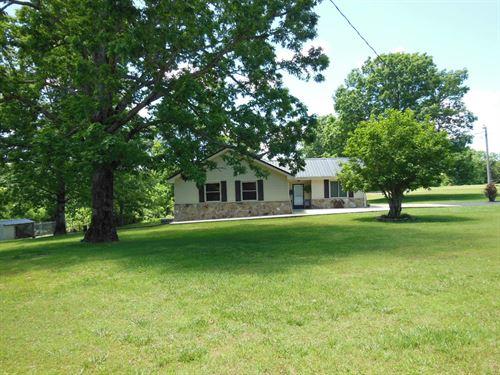 3Br Home Buffalo River Shop, Pool : Waynesboro : Wayne County : Tennessee