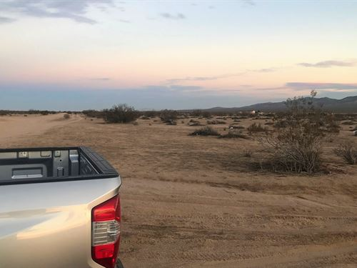 Beautiful Corner Lot, Good Access : Adelanto : San Bernardino County : California
