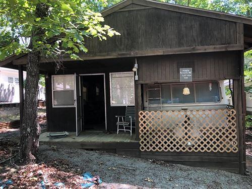 Weekend Retreat On Lake Gaston, VA : Bracey : Mecklenburg County : Virginia