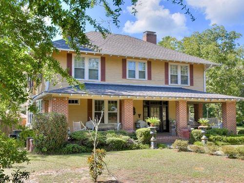 Circa 1900 Historic Thomas House : Williston : Barnwell County : South Carolina