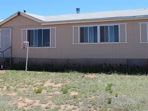 Northern Arizona Home on Acreage : Seligman : Yavapai County : Arizona