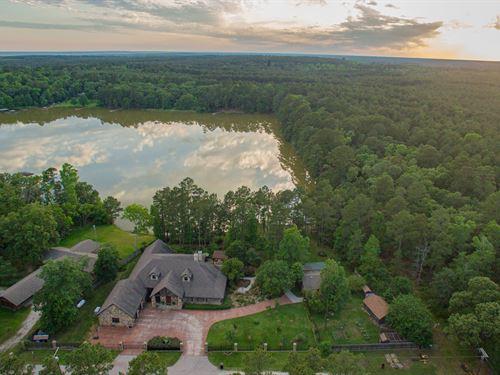 Woodland Chateau 101 Acres : Trinity : Texas