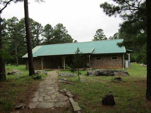Seclusion Home On Wooded Land : Antlers : Pushmataha County : Oklahoma