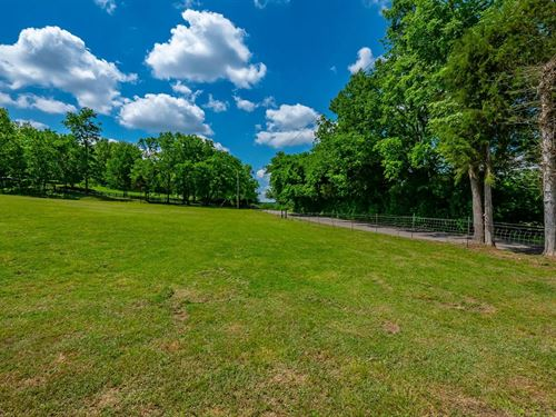 Land For Sale in Leipers Fork : Franklin : Williamson County : Tennessee