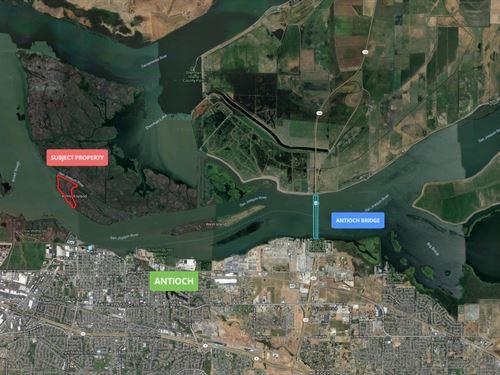 Northern California Island Property : Rio Vista : Sacramento County : California