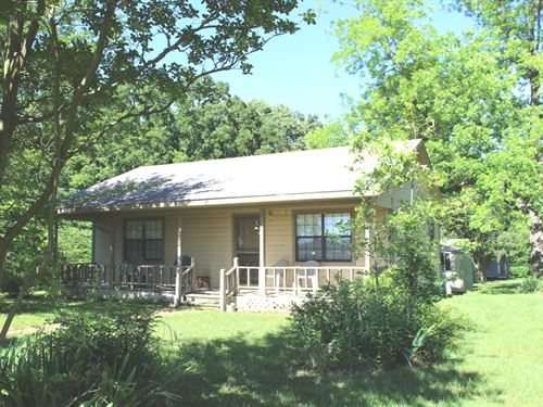 A Touch Of Country : Avery : Red River County : Texas