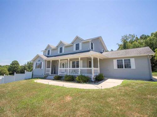 Large Subdivision Home on 2 Acres : Van Buren : Carter County : Missouri