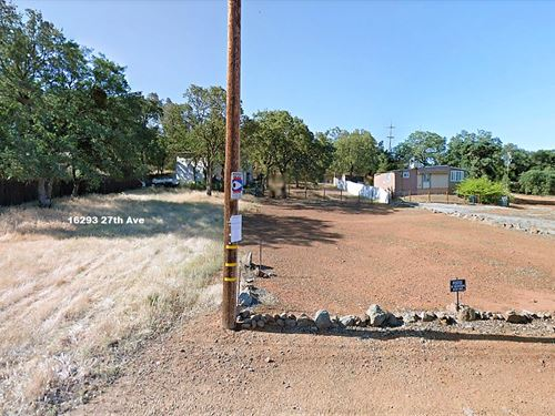 Beautiful Lot On A Nice Street : Clearlake : Lake County : California
