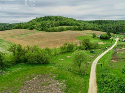 Remodeled Farmhouse Hunting Land : Hillsboro : Vernon County : Wisconsin