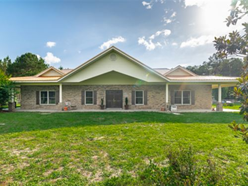 Elegant Equestrian Estate : Wellborn : Suwannee County : Florida