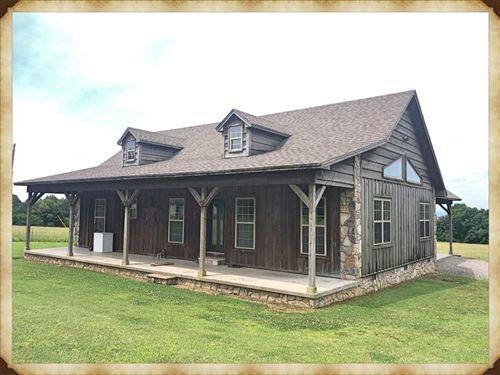 Beautiful Home, Covered Arena And : Clinton : Van Buren County : Arkansas