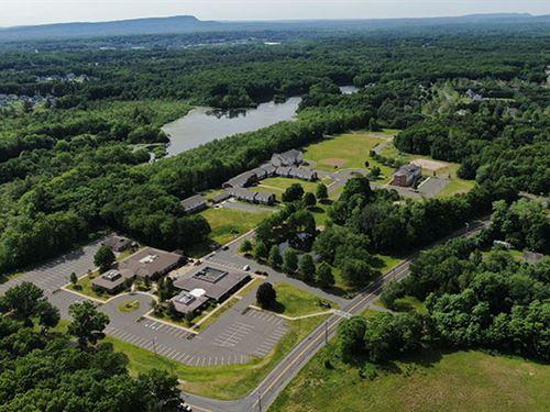 Residential School Campus/Corpor : Southington : Hartford County : Connecticut