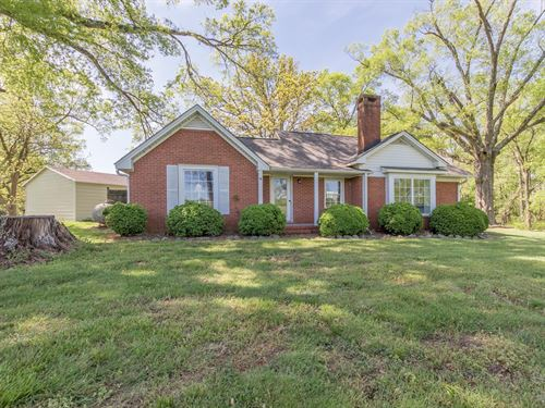 Beautiful Home And Acreage : Siler City : Chatham County : North Carolina