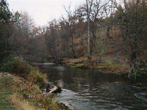 Creekfront Land Northern : Hornbrook : Siskiyou County : California