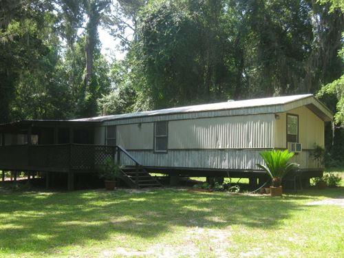 Spacious Home Nestled Woods Grand : Live Oak : Suwannee County : Florida