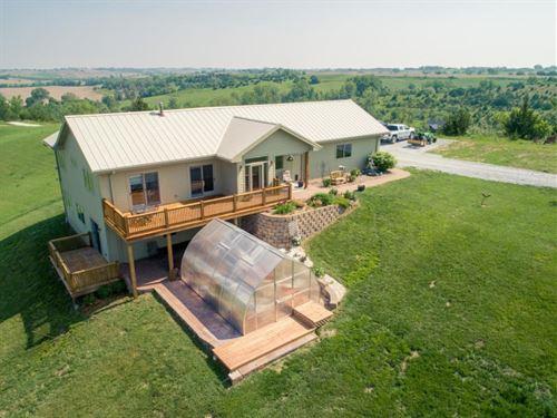 4 Bed Home 79.5 Acres Missouri : Missouri Valley : Pottawattamie County : Iowa