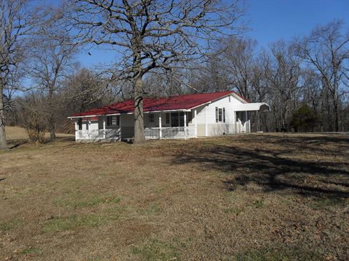 Like New Country Home 1.8 Acres Hwy : Edwards : Benton County : Missouri