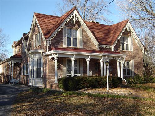 Beautiful Historic Home Blackburn : Carlinville : Macoupin County : Illinois