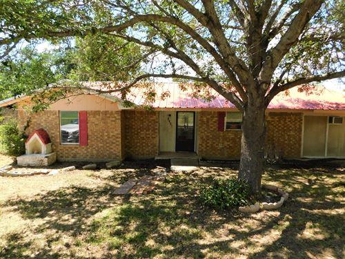Lake House Waiting You Lake : Brownwood : Brown County : Texas