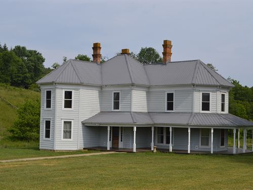 Remodeled Mountain Farmhouse : Sparta : Alleghany County : North Carolina