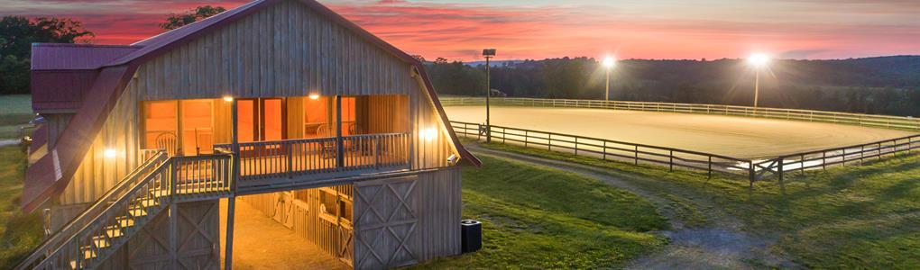 Equestrian Opportunity, Luxury Barn : Soddy Daisy : Bledsoe County : Tennessee
