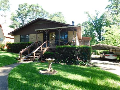 Well-Maintained Waterfront Brick : Frankston : Henderson County : Texas