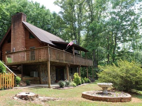 Beautiful Log Home Patrick County : Stuart : Patrick County : Virginia