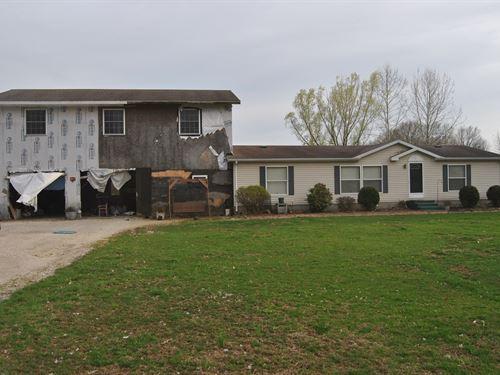 3 Bedroom, 2 Bath Country Home : Dennison : Clark County : Illinois