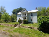 Farmhouse Near River in Floyd VA : Floyd : Floyd County : Virginia