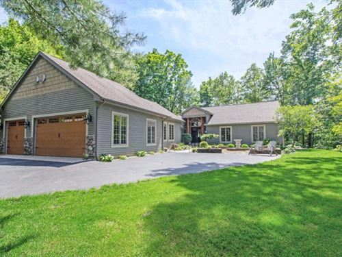 Stony Lake Home 3.8 Acres Stunning : Augusta : Kalamazoo County : Michigan