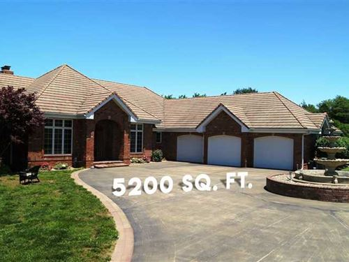 Beautiful Home With 203 Acres : Urbana : Hickory County : Missouri