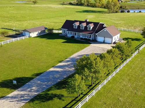 Beautiful 5 Bedroom, 4 Bathroom : Maryville : Nodaway County : Missouri
