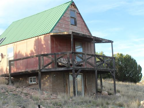 Cabin Acreage County Road Seligman : Seligman : Yavapai County : Arizona