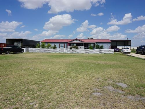 Country Life Fort Stockton, Texas : Fort Stockton : Pecos County : Texas