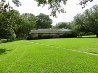 264 Acres With Fine Home/Lodge : Waterproof : Tensas Parish : Louisiana