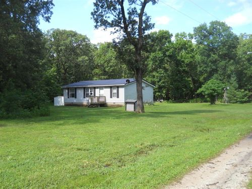 Semi-Secluded 3 Bedroom 2 Bath : Humansville : Hickory County : Missouri