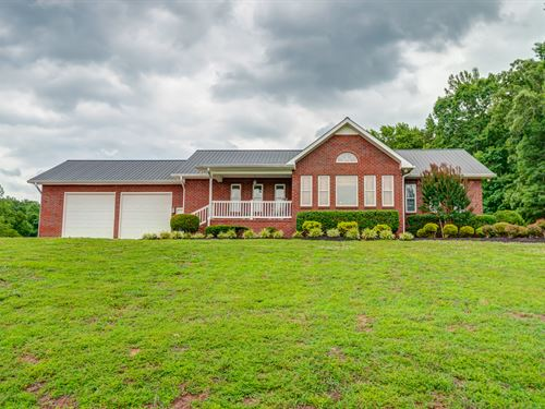 Custom Home On 53 Acres : Hurricane Mills : Humphreys County : Tennessee