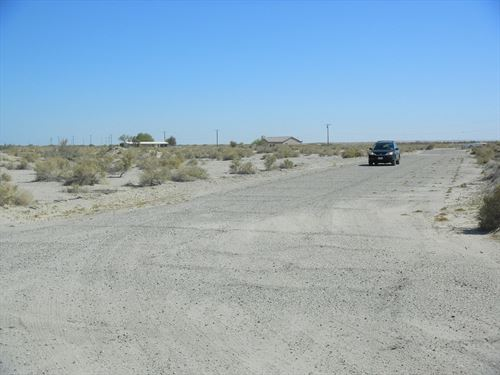 Nice Corner Lot-Rare R-4 Zoning : Salton City : Imperial County : California